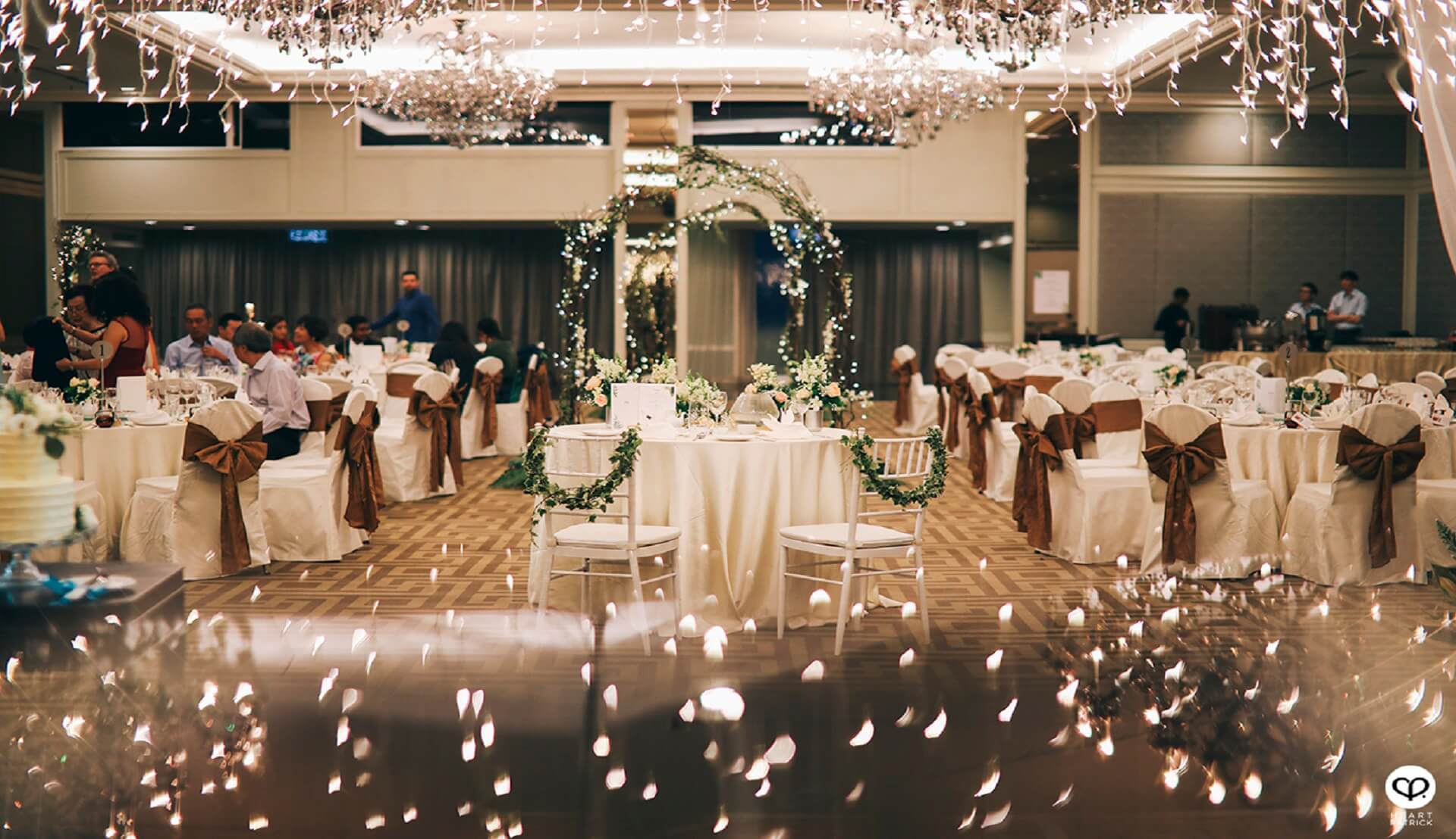 Sugar & Spice Events - Wedding reception hall decorations and table setting